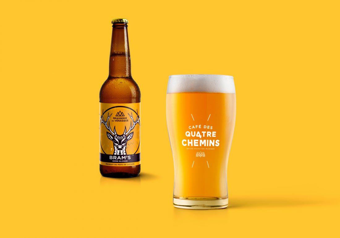 Logotype sur verre à bière